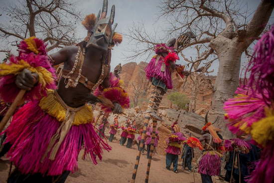 Safari Fusion blog | Photographer Anthony Pappone | Dogon mask dance, Pays Dogon Country, Mali
