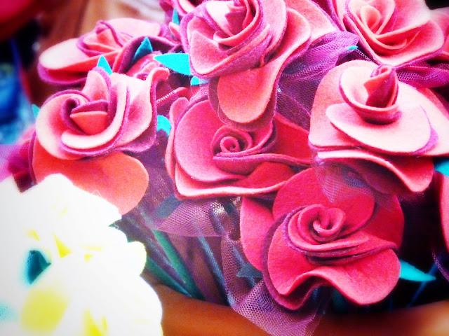 rosas fieltro