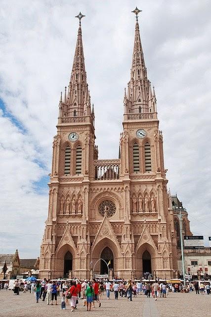 Gambar Gereja dan Katederal yang Indah