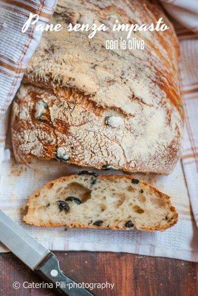 Pane senza impasto con le olive