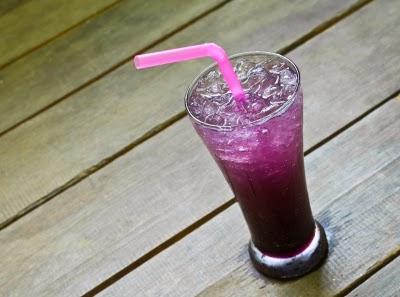 عصير التوت يحتوى على مستويات عالية من فيتامين C وفيه سعرات حرارية منخفضة