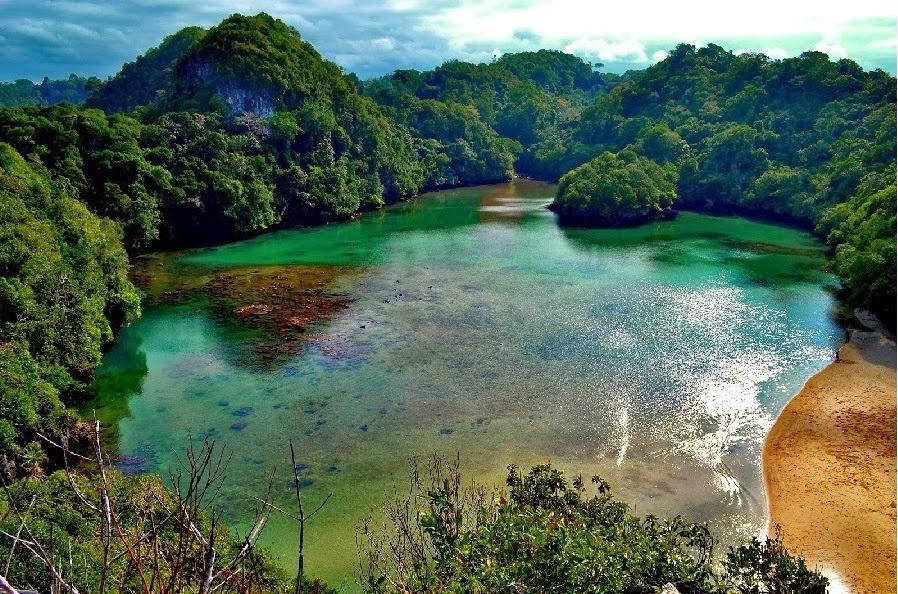 Foto tempat wisata pulau sempu