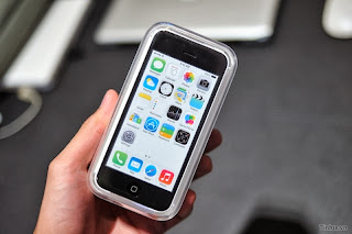 (Video) Smartphone iPhone 5C Unboxing, 16Gb