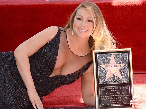 Mariah Carey obteve uma estrela na calçada da fama