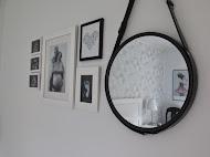 På väggen