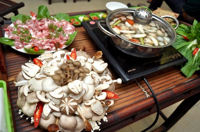 Mushroom Hotpot (Lau Nam)