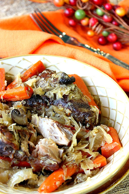 Slow-Cooker Pork Ribs and Sauerkraut