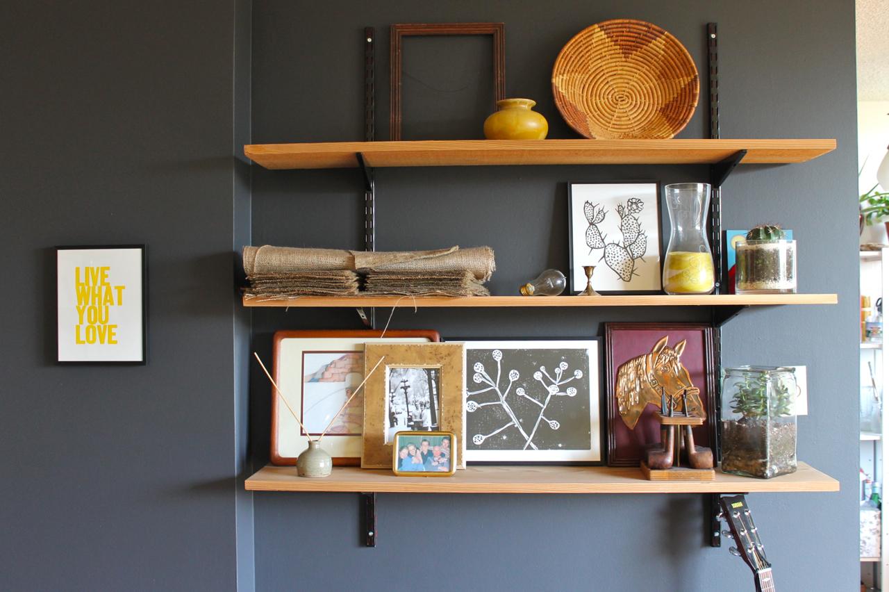 Arranging photos on a wall - Arranging Wall Shelves