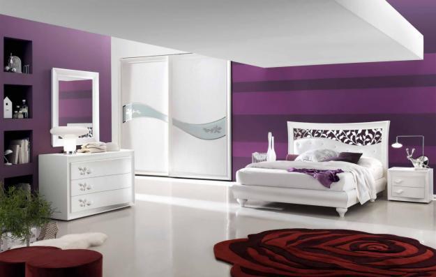Parete Camera Da Letto Lilla : Camera da letto bianca con parete lilla: camera bianca e pareti