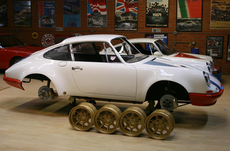 MagnusWalker Gold Rims - Cool rims for cars