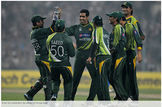 Umar-Gul-celebrates-Yuvraj-singh-Wicket-INDIA-v-PAKISTAN-2nd-ODI-2012
