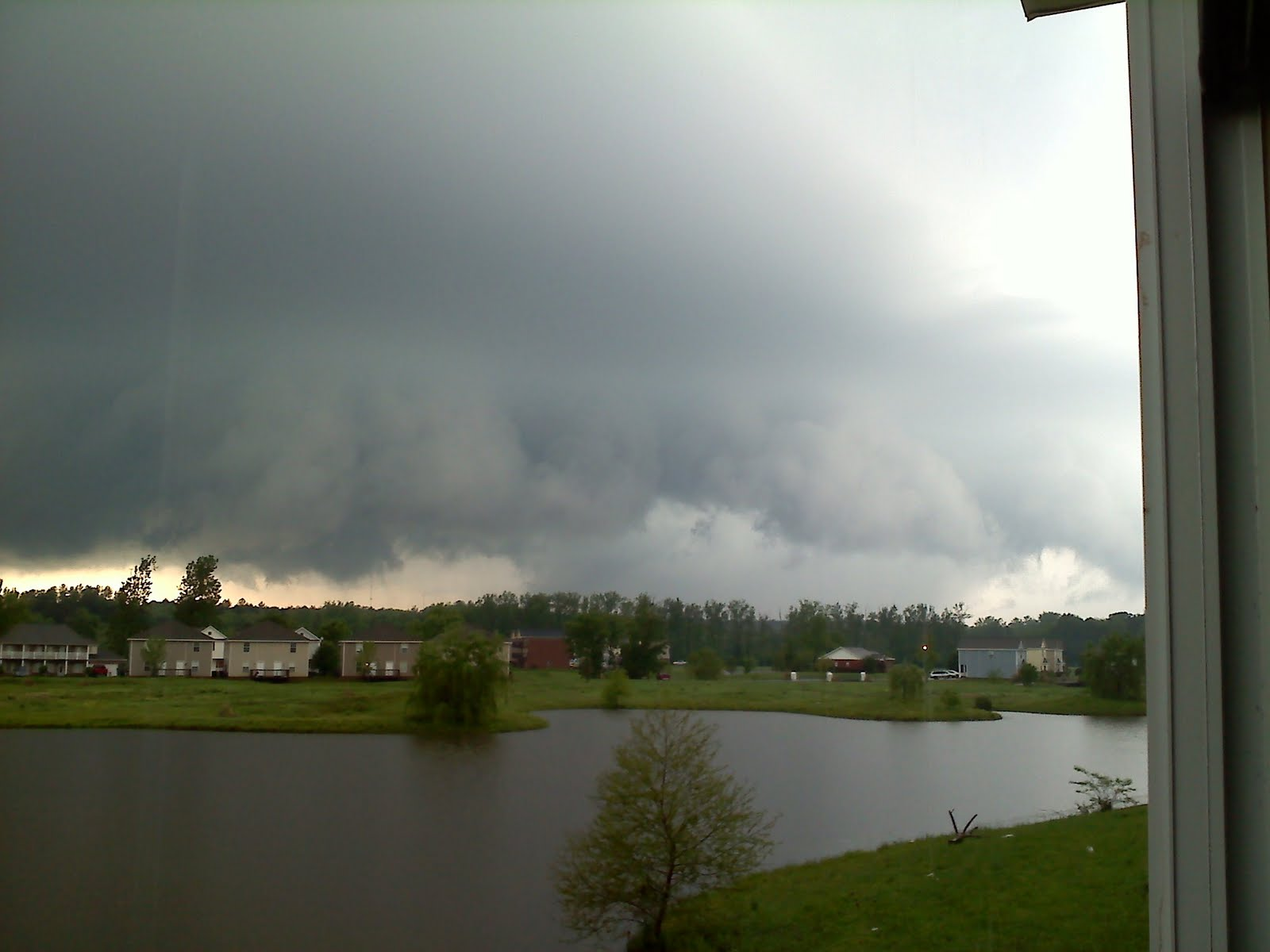 Starkville (MS) United States  city photos : This actually looked like a funnel cloud behind the trees. It was ...