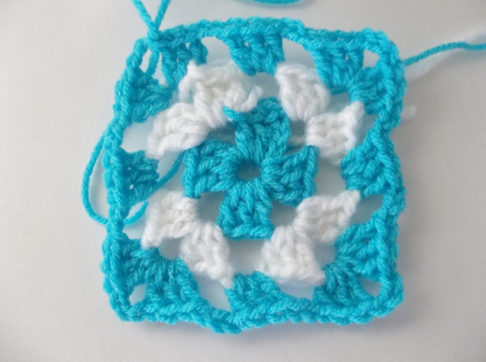 Beautiful things in life how to crochet a simple granny square