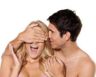 6 Foreplay yang Buat Pria Semakin Panas Saat Bercinta