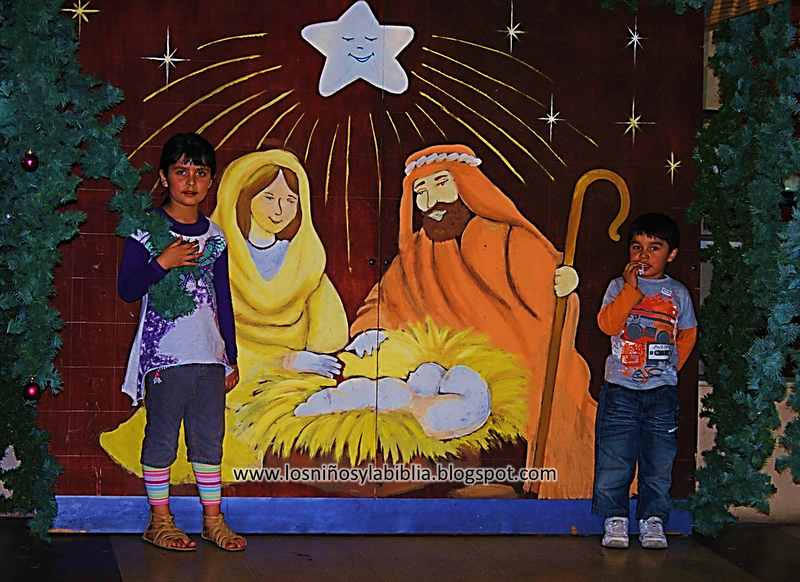 Los ni os y la biblia diciembre 2011 - Murales decorativos de navidad ...