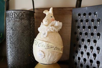 Prim bunny, prim Easter, vintage graters
