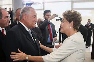 Givaldo Carimbão participa da assinatura da portaria que define o processo de migração das Rádios AM para FM