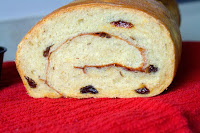 http://foodiefelisha.blogspot.com/2013/12/cinnamon-raisin-swirl-bread.html
