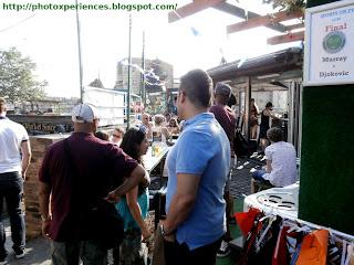 Live musical performance in Camden Market. Actuación musical en directo en el Mercado de Camden.