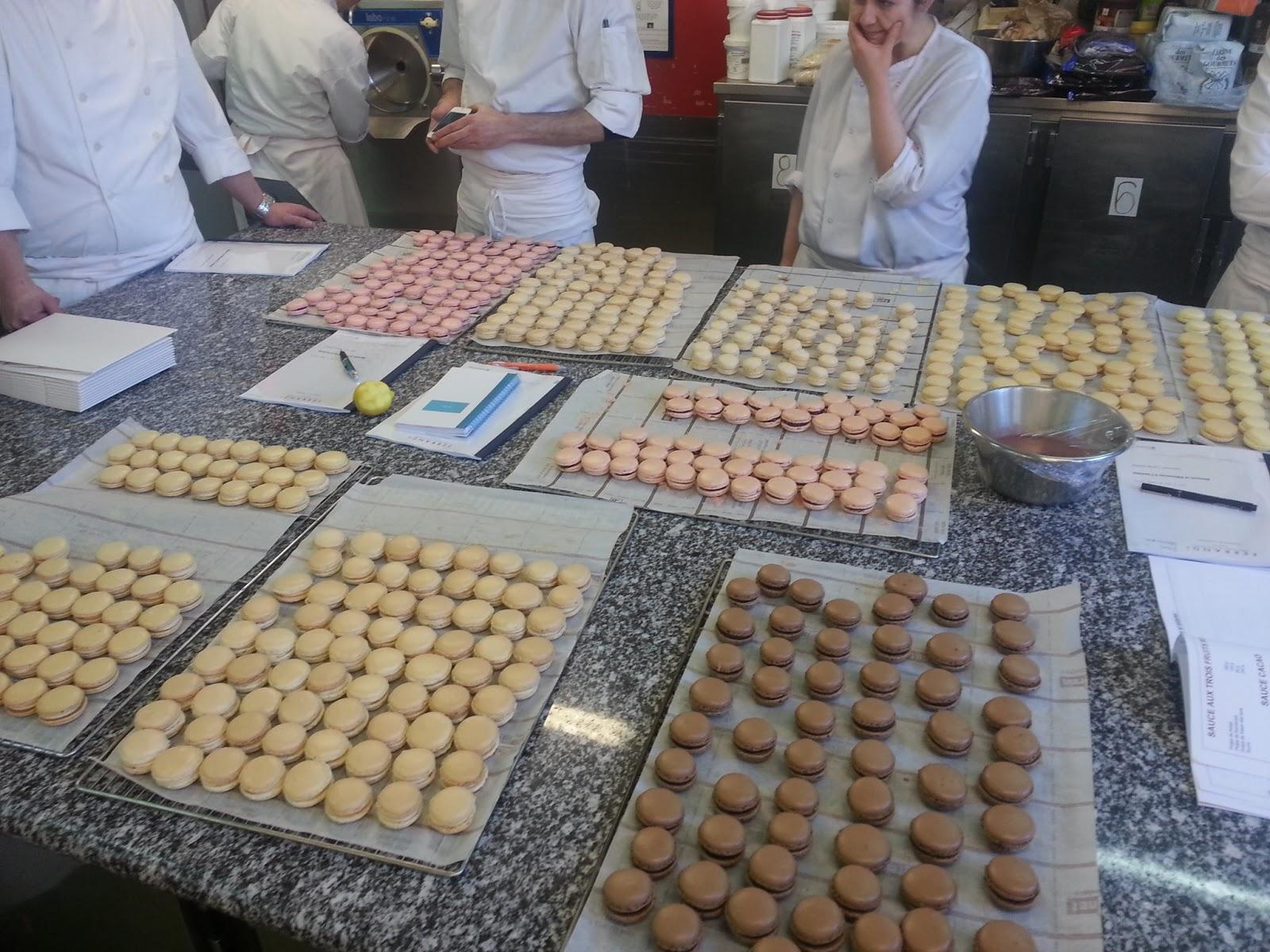 Croque en bouche stage professionnel desserts et - Cours de cuisine lenotre ...