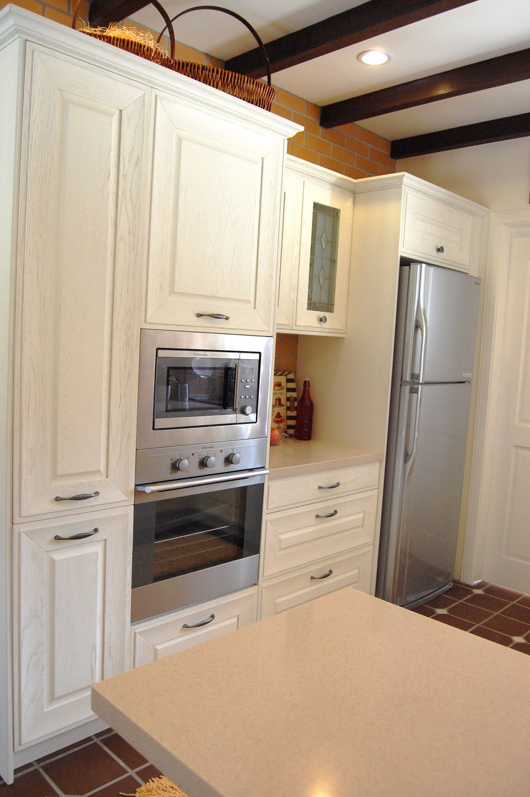 Meridian design kitchen cabinet and interior design blog for Country style kitchen b q