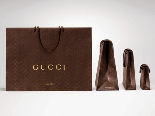 gucci shopping bagWeird Trend Alert  Fake Designer Paper Bags Are All the Rage in mTWNcZK6