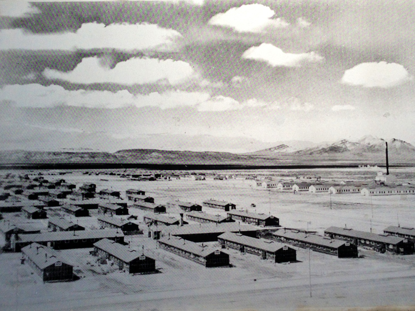 a history of the japanese american internment in topaz utah Topaz museum of japanese american wwii internment camp this is a very small museum, very nicely set up in a new building an original barrack where families lived is set up in back of the museum.