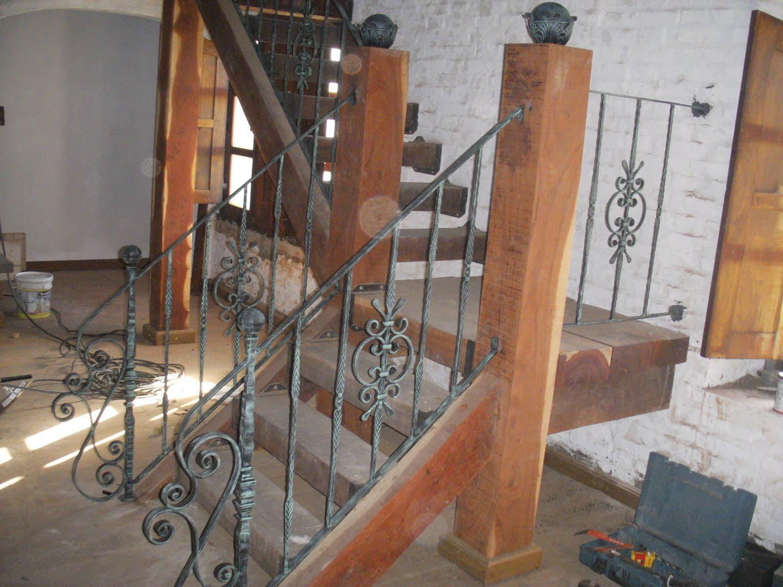 Forjados la farolera baranda de escalera de hierro forjado for Como hacer una escalera de hierro exterior