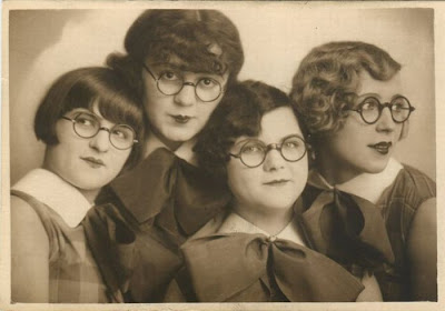 Freaky Retro Photos Seen On www.coolpicturegallery.us