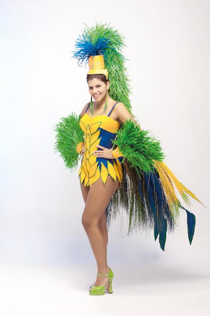 Srta. Colombia 2011-2012. Desfile en traje artesanal Caldas: Valentina Muñoz Escobar