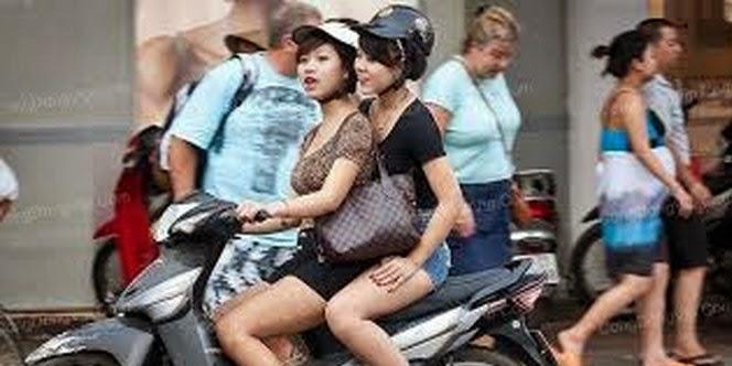 Waspada, pemotor wanita korban begal payudara