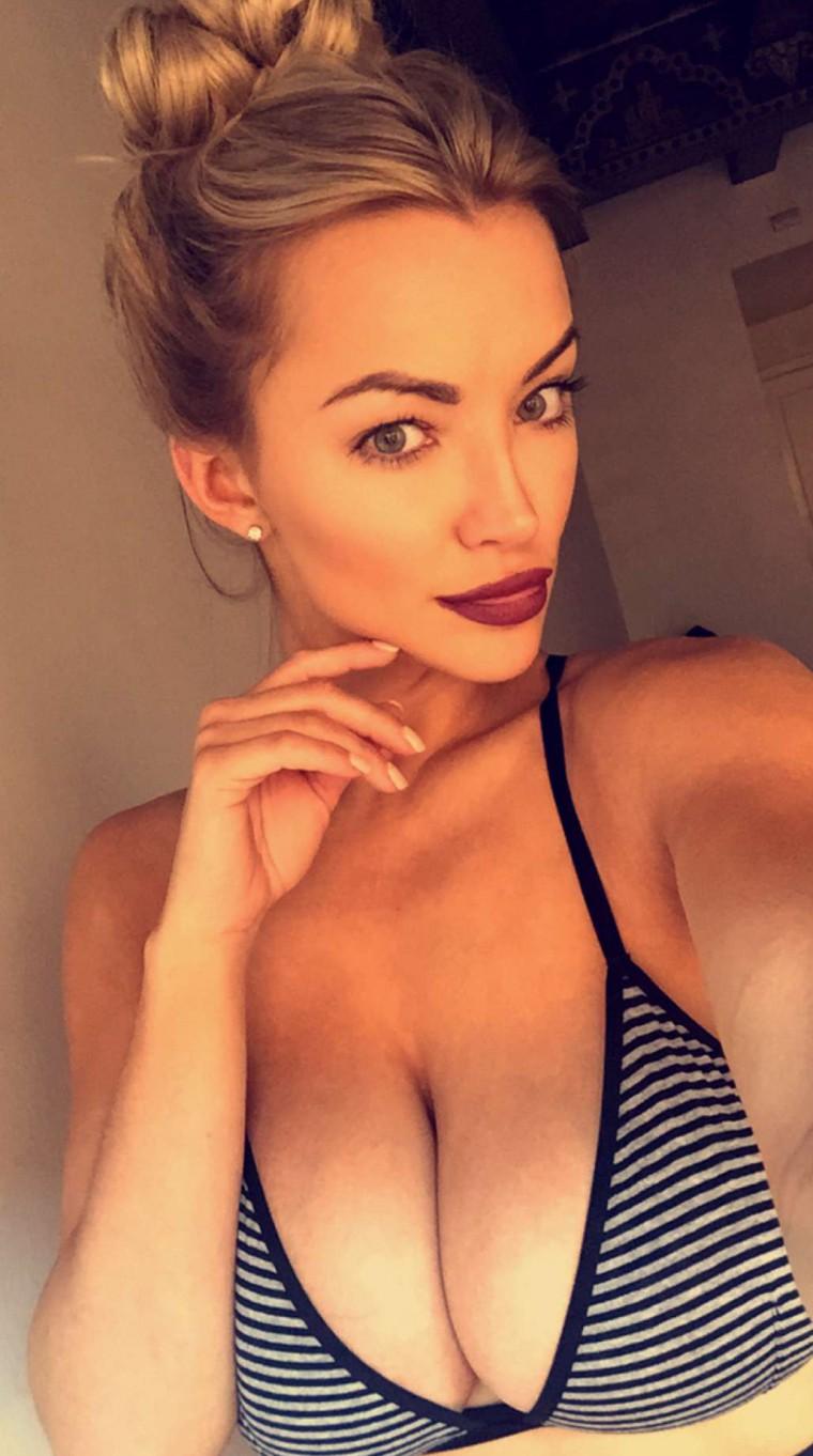 Snapchat Lindsey-Pelas nudes (92 photos), Feet