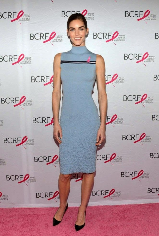 Complementing cuties!! If you weren't interested in watching, we bet you are now. Any who, due to her essential roll The Breast Cancer Research Foundation's Symposium & Awards Luncheon, Hilary Rhoda obviously paid the event. The 27-year-old donned an impressive outfit of a blue tight dress, which flowed over her incredible anatomy during her standing show for photographer at New York, USA on Thursday, October 9, 2014.