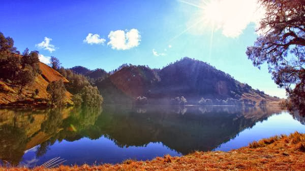 Ranu Kumbolo, danau di kaki Gunung Semeru