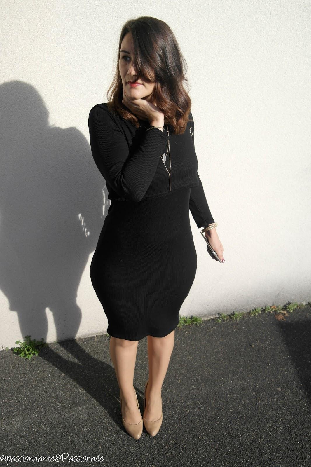 Des rondeurs en robe mi longue