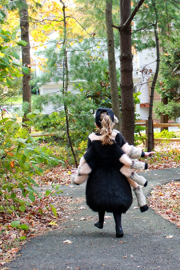 Hairy Tarantula Halloween Costume: uses foam for shape so this spider costume is flexible and comfortable. | The Inspired Wren