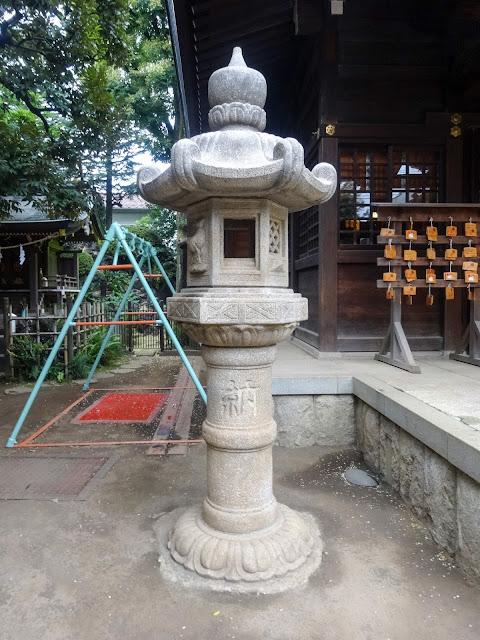 月見岡八幡神社,石灯籠,拝殿,新宿,落合〈著作権フリー無料画像〉Free Stock Photos
