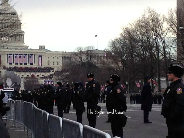 "<img src=""image.gif"" alt=""This is 57th Presidential Inaugural Parade"" />"