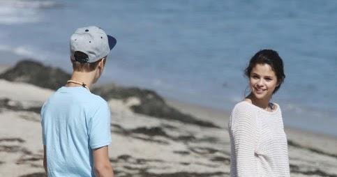 Justin Bieber And Selena Gomez Kissing In Beach Girls Hot Media: justi...