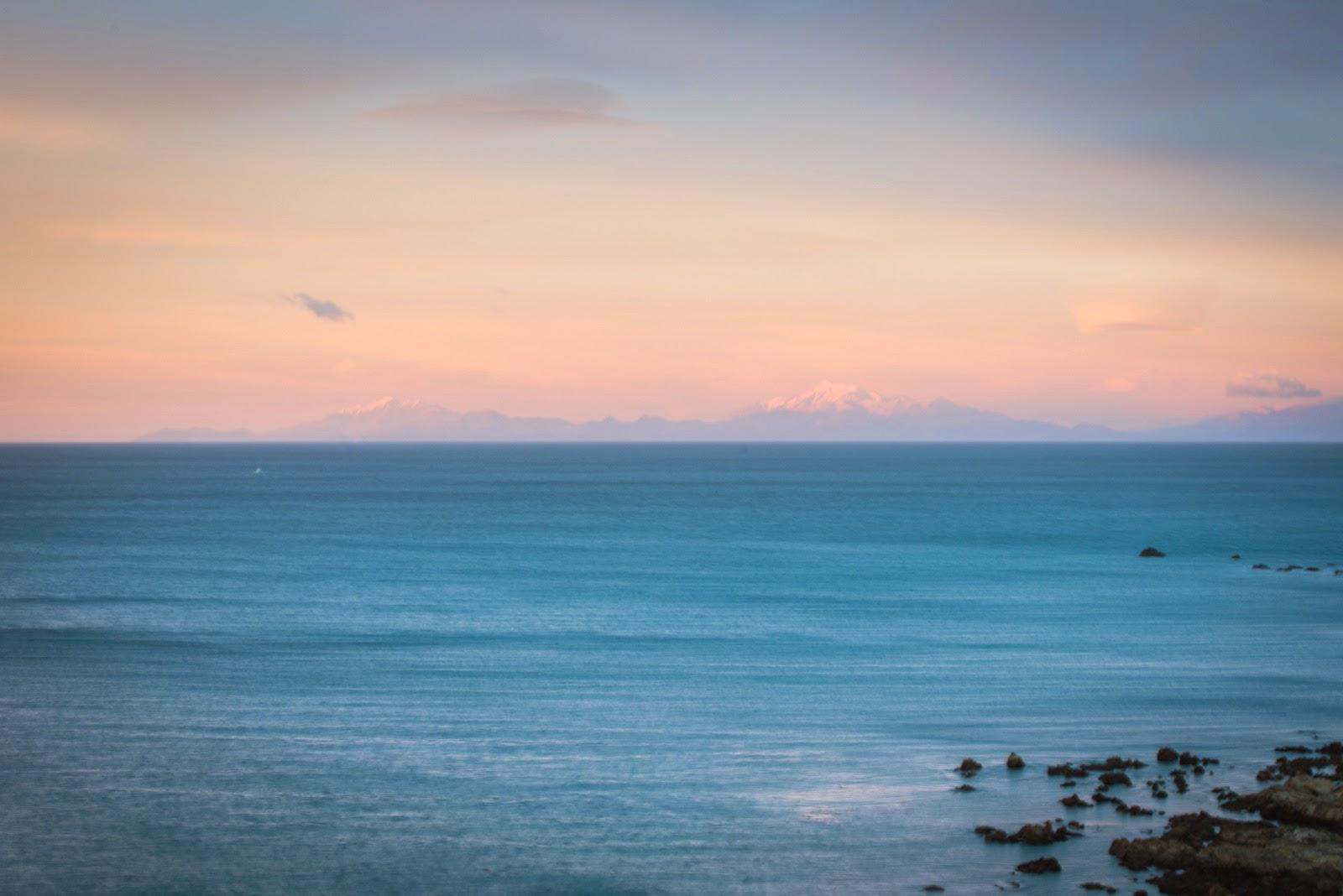 Kaikoura ranges sunrise from Wellington