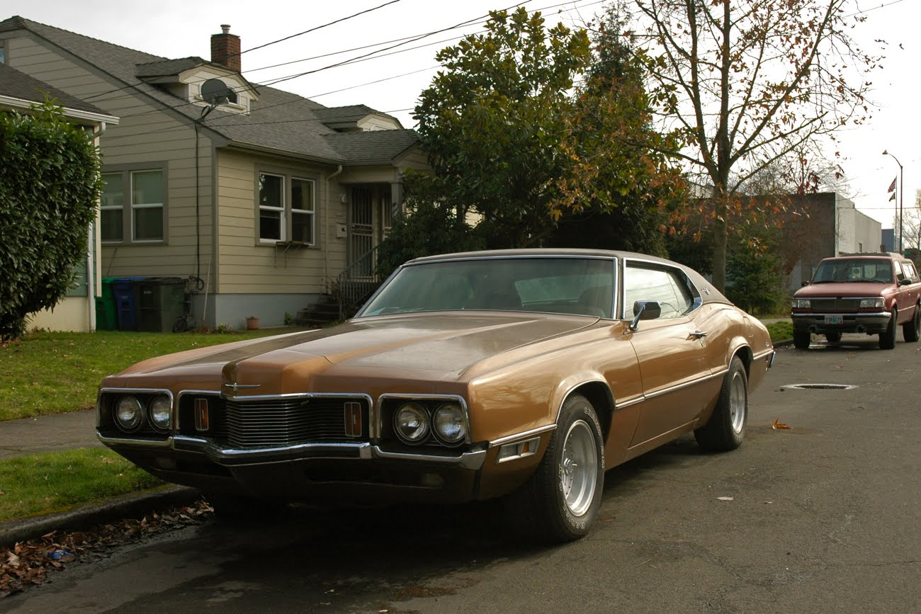 old parked cars 1970 ford thunderbird. Black Bedroom Furniture Sets. Home Design Ideas