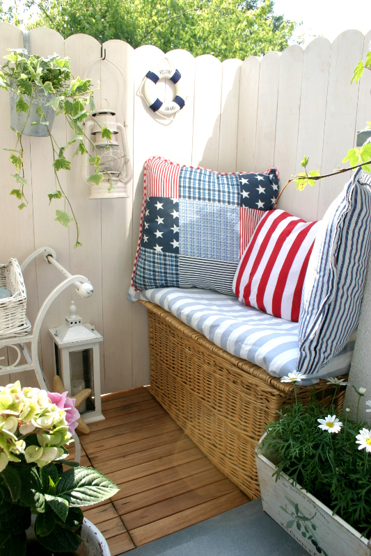 my little white home balkon marynistyczny i green canoe style. Black Bedroom Furniture Sets. Home Design Ideas