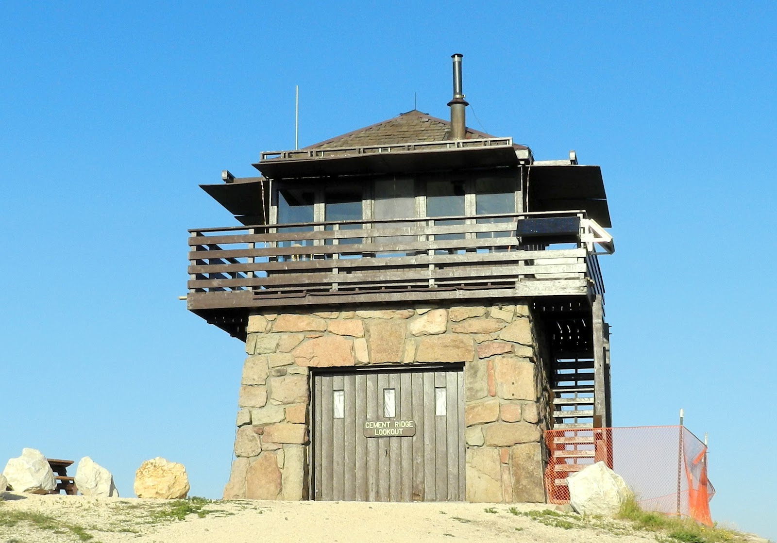1000 images about fire lookout tower on pinterest for Lookout tower plans