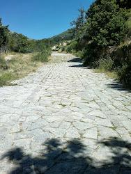 Calzada romana en Cuevas del Valle
