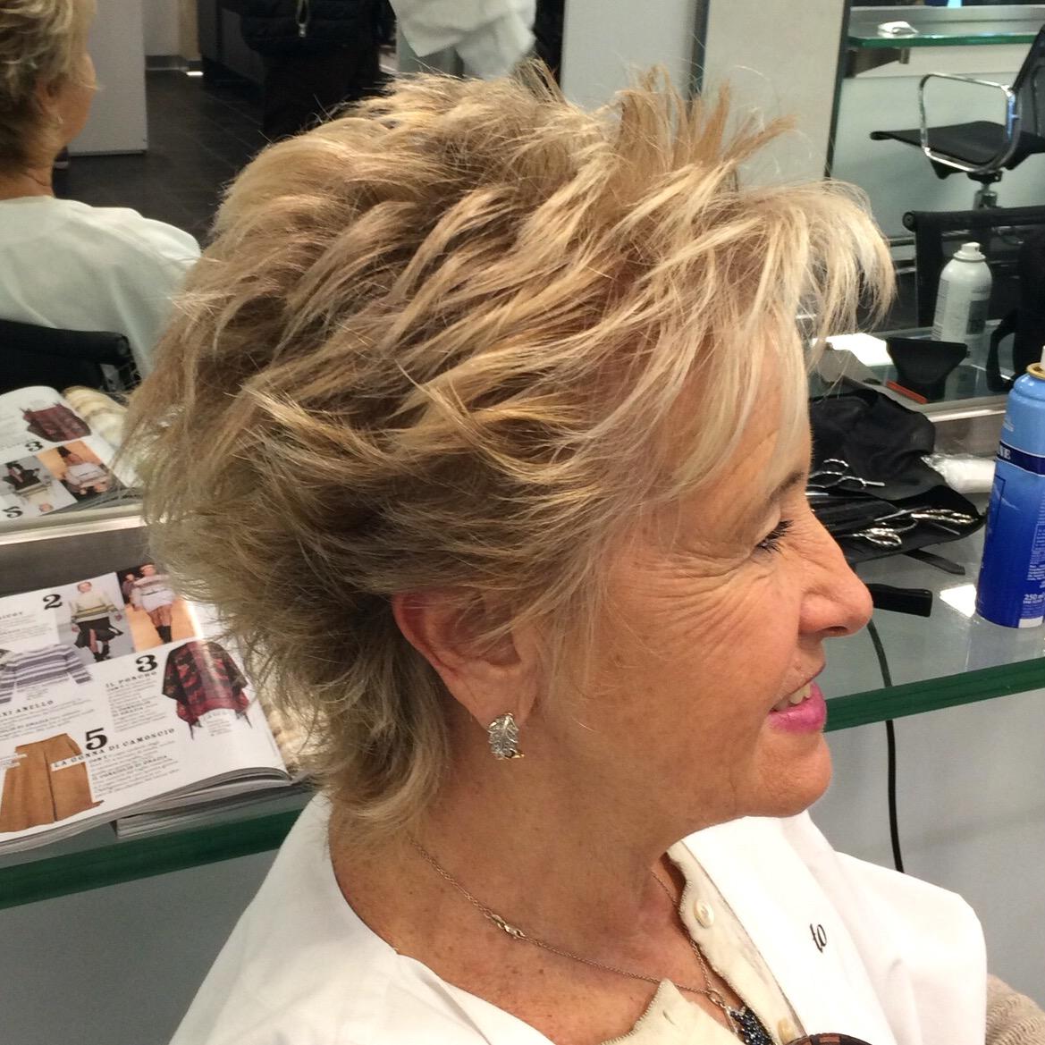 Tagli corti per donne con pochi capelli