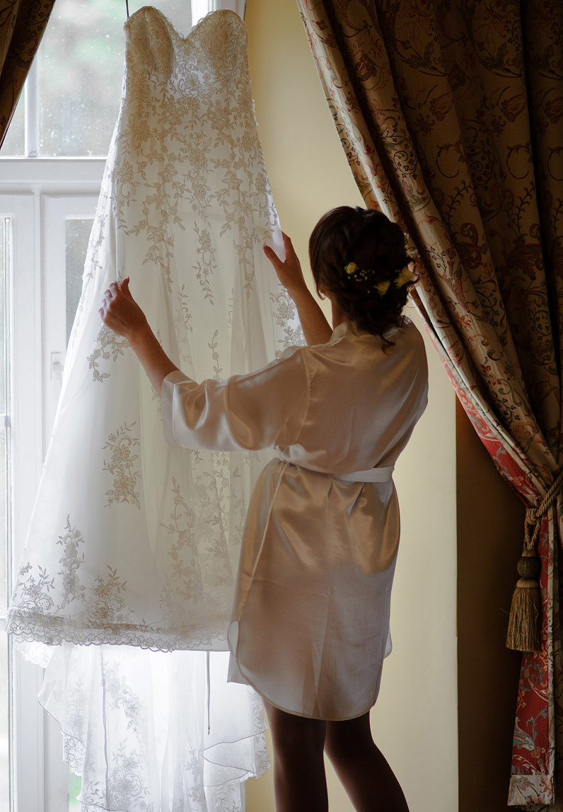 vestuvinė nuotakos suknelė su nėriniais