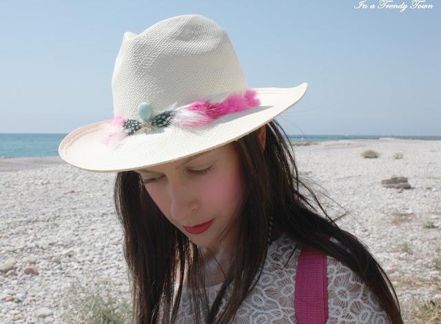 Sombrero de plumas