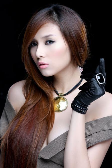HOT PHOTOS: Vo Hoang Yen