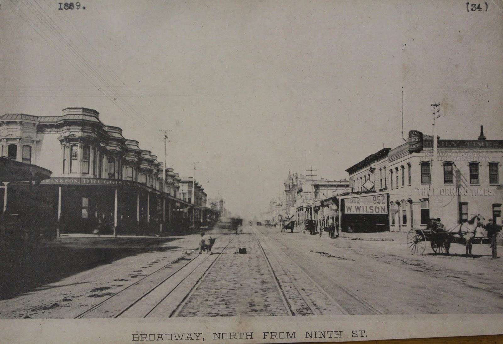 http://2.bp.blogspot.com/-lqNl291S7d0/TywcrIXqynI/AAAAAAAAAio/KxtDHMnzCOE/s1600/Downtown-Oakland-in-1889-courtesy-Oakland-History-Room.jpg