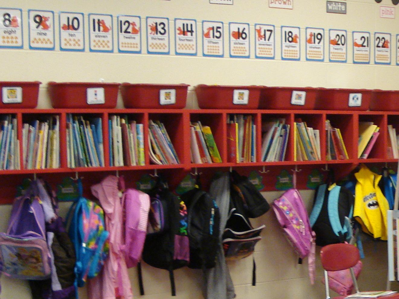 Classroom Hook Ideas ~ Kindertrips linking up book organization